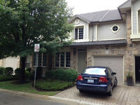 Room in upscale townhouse/condo close to UWO and DT