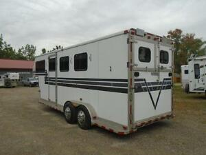 1998 Powerhorse Trailer 3 Horse or 4 Horse Gooseneck London Ontario image 5