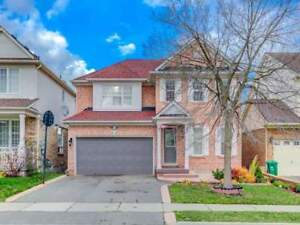 W4297062-Priced To Sell! Beautiful Detached