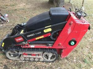 TORO DINGO TX525 WIDE TRACK WITH AUGER AND BITS AND ACCESSORIES