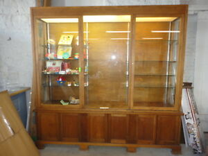 Museum Quality Oak Cabinet-Make A Reasonable Offer!