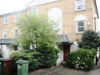 STYLISH FOUR DOUBLE BEDROOM TWO BATHROOM HOUSE IN CAMBERWELL/OVAL SE5