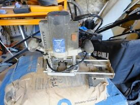 1/4 inch plunge router 240v. ideal for small jobs complete with guide rail