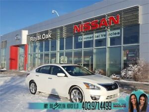 2015 Nissan Altima 2.5 SV ** Sunroof **