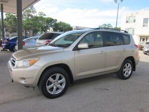2008 Toyota RAV4 Limited 4 cyl AWD SUV only 155,000k  $11800