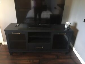 Black wooden hutch/entertainment unit in new condition