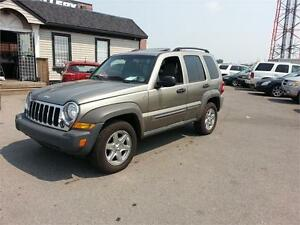 2006 Jeep Liberty Sport WITH SUNROOF AND GREAT TIRES