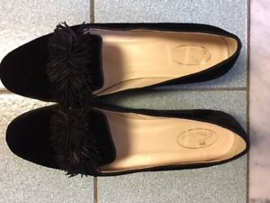 2d15b1cac561 Black velvet flats with pom-pom from Brown s Couture size 9.5