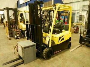 Reste que 3 X 2013 Hyster chassis 3 roues 4000 lbs new battery