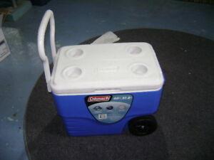 large picnic cooler on wheels