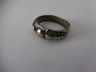 womans silver ring ...size m