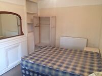 Spacious double bedroom available in a house share.Cowley Location. £530pcm all bills inclusive.