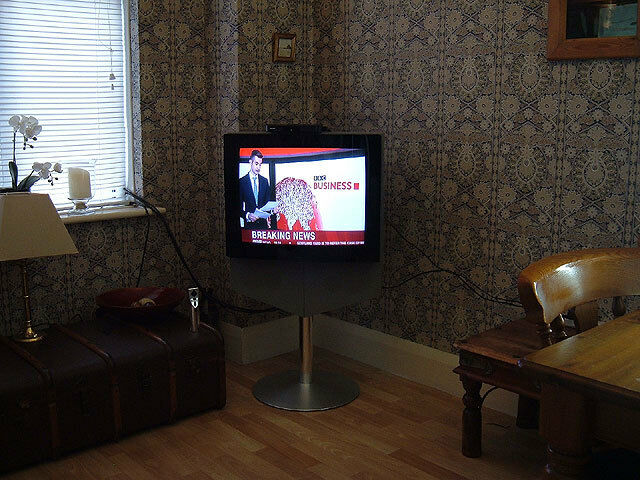 bang and olufsen beovision 1 25 colour tv 75 in leigh. Black Bedroom Furniture Sets. Home Design Ideas