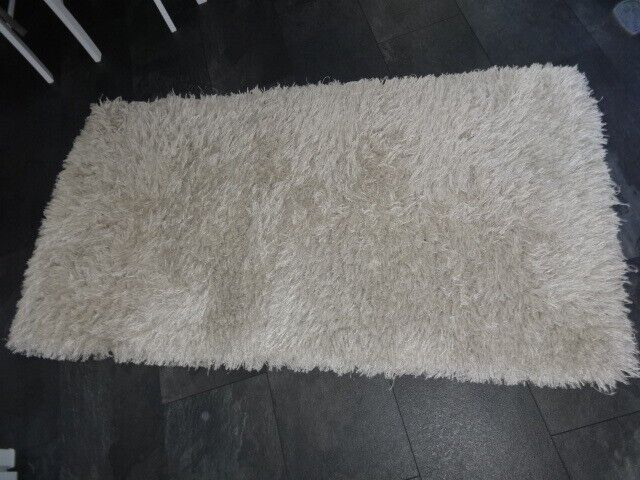 Gorgeous Cream Modern Shaggy Rug