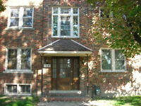 Walkerville Area - 2 bedrooms apartment available September 1st