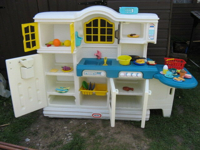 Little Tikes Country Kitchen Been Reduced To 60 In Canvey Island