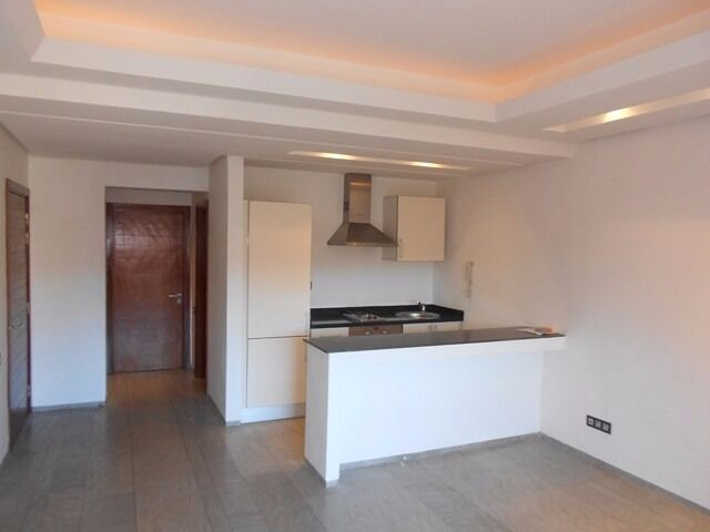 STEPNEY GREEN, E1, EMMACULATE 1 BEDROOM APARTMENT AVAILABLE NOW