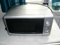 Silver microwave good condition full working order
