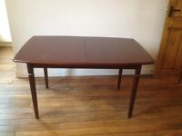 Vintage Meredew extendable 6-8 seat solid wood dining table