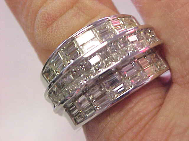 High Quality 18k White Gold 4.50 Ctw Diamond Ring For Man Or Woman    Make Offer