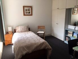 Large single or double room to rent Bournemouth Southbourne, lots of space / parking