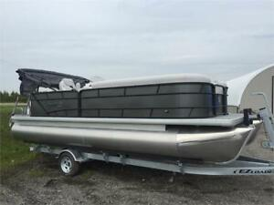 Godfrey 2286C w/Evinrude 115HP Pontoon Model