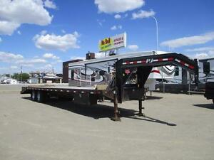**SUPER** PJ FLAT DECK, TANDEM DUALLY, 30' DECK, LOTS of EXTRAS!