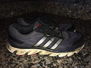 Mens' ADIDAS Runners & ECCO Leather Dress Shoes (8.5)