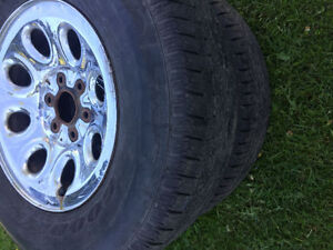 265/70R17 SUMMER TIRES WITH 6 BOLT CHEVY RIMES