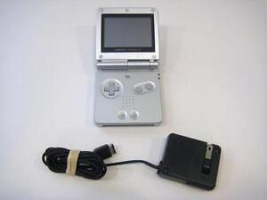 *****SILVER NINTENDO GAME BOY ADVANCE SP ARGENT + JEUX/GAMES(MARIO, ZELDA, POKEMON, DONKEY KONG) A VENDRE/FOR SALE!*****