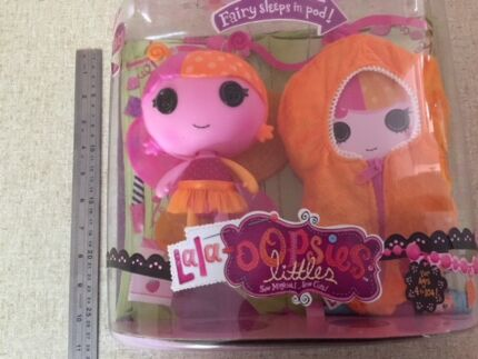 LA LA LOOPSY DOLL FOR XMAS - BRAND NEW IN UNOPENED BOX