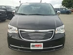 2016 Chrysler Town & Country Limited London Ontario image 2