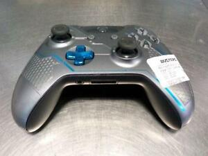 Halo Edition Xbox One Controller. We sell used video games.