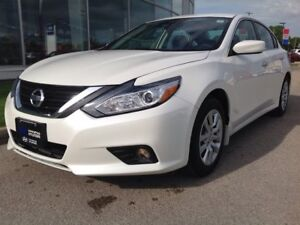 2017 Nissan Altima Sedan 2.5 CVT Backup Camera Heated Seats