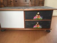 Childrens Toy/box storage unit