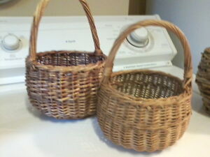Group of 6 Vintage Baskets London Ontario image 6