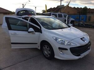 2010 Peugeot 308 T7 XS White 5 Speed Manual Hatchback Queanbeyan Area Preview
