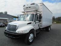 International Refridgerated 5 Ton Truck w/22' Box B242-1