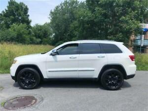2011 JEEP GRAND CHEROKEE- limited-  MAGS 20 SRT-8-  15 500$