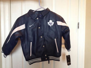 Nike NHL Toronto Maple Leafs Boys Jacket New with tags size 6 Kitchener / Waterloo Kitchener Area image 4