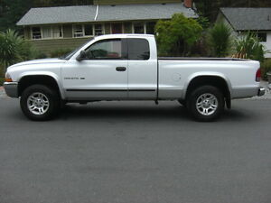 2001 Dodge Dakota SLT Ext Cab Pickup Truck