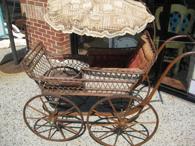 Antique Vintage Wicker Baby Doll Carriage Stroller Buggy with Umbrella Parasol