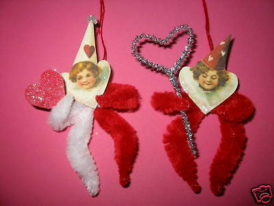 VINTAGE STYLE VALENTINE ORNAMENTS CHENILLE FEATHER TREE