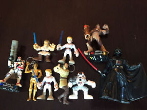 AROUND 60 STAR WARS FIGURES, SPACE SHIPS, BOBBLEHEADS