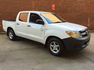 2005 Toyota Hilux SR5 White Manual Dual Cab Campbelltown Campbelltown Area Preview