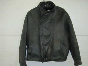 BLACK LEATHER MEN'S COAT