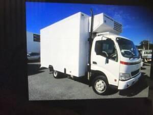 REFRIGERATED 6 PALLET HINO truck