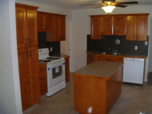 Rent House, 2 Bedroom + Den 2 Bathroom Available Oct 15 or Nov 1