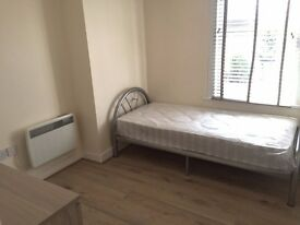 INCLUSIVE OF COUNCIL TAX AND WATER BILLS - STUDIO AVAILABLE IN PALMERS GREEN, N13 - SORRY NO DSS