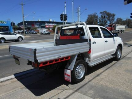 2015 Toyota Hilux KUN26R MY14 SR Double Cab White 5 Speed Automatic Cab Chassis Fyshwick South Canberra Preview
